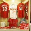 カープ優勝まであと少し!「広島東洋カープ選手サイン色紙展示中」
