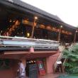 チェンマイに来た先輩夫妻とホールアースで食事