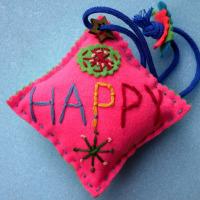 手づくり 「 HAPPY 」 ・・・・ 仲田丸子さんの作品