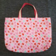 ピンクの絵本バッグとシューズバッグ