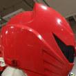 ◎ヒーローのヘルメットは思った以上にがっちり固定されていた。