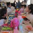 幼稚園の餅つき会のお手伝い