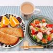 コストコチキン缶とお豆のサラダの朝ごはん