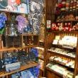 軽井沢〜商品と飾り付けが面白い店。
