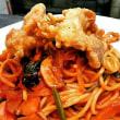 ベーコンとほうれん草のスパゲティナポリタン 若鶏の唐揚げ添え