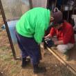 小屋の扉を修理