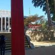 高野山 朝日の中の中門 松本明慶大仏師様の像が見守っています。 2017年10月11日