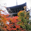 ②ロームシアター京都の前に、京都・東山