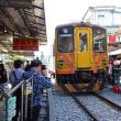 のんびり・台湾 十分駅から上り列車が行く 2