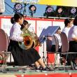 ホルンを奏でる女学生 (志摩市阿児町・ええじゃんかまつり)