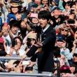 羽生選手 祝賀パレード 県と市に1000万円を寄付 !!