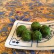 抹茶豆菓子と原稿用紙