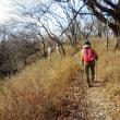 恒例の妙見ハイキングは、上杉稜線コース、67人が参加。