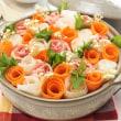 巻いて煮るだけで簡単色鮮やかな「花畑鍋」の作り方。
