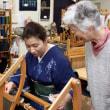 わものや BANKAN磐田店の皆さんが手織り体験