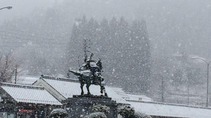 また雪降り