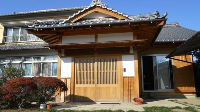 入母屋玄関と云う伝統的玄関やらせて貰いました。大工としては技術的冥利に尽きますが
