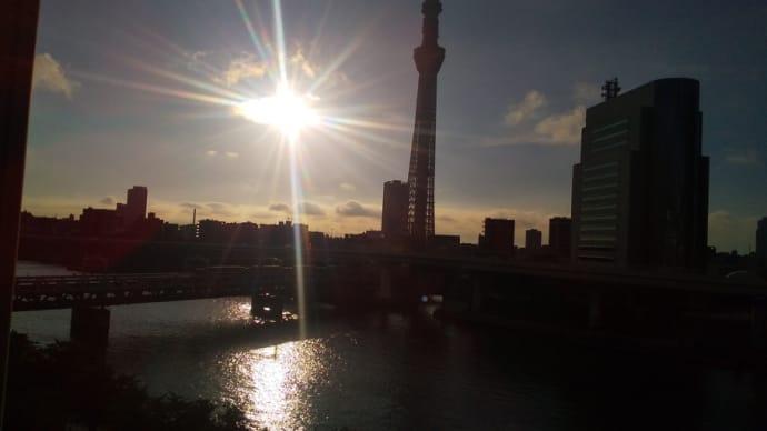 隅田川沿いのホテルで夜鳴きそばと豪華朝食