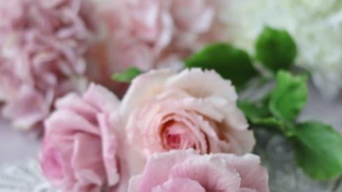 クレイで作ったピンクのバラ3輪