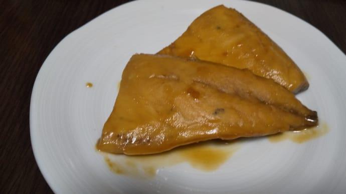 鯖の味噌煮で家飲み
