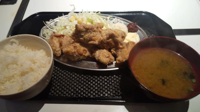 立川駅前でリーズナブルなランチで昼飲み