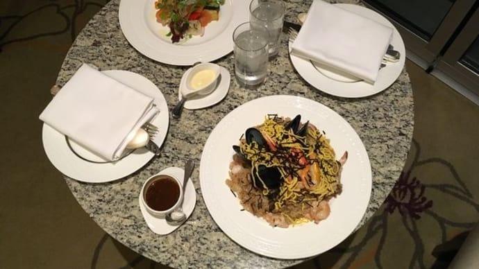 大阪マリオット都ホテル*ルームサービスお夜食&パブリックスペース