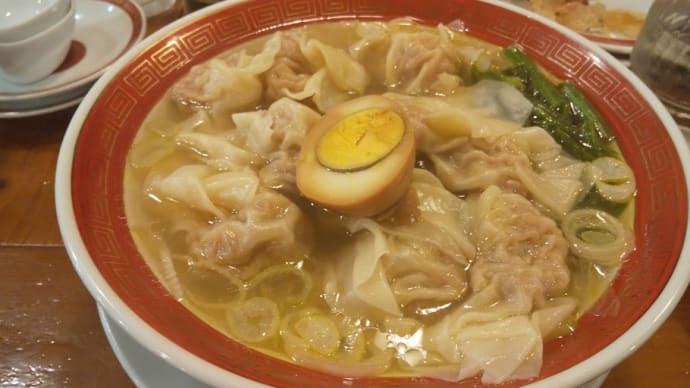 新宿の人気ワンタン麺屋で〆飲み