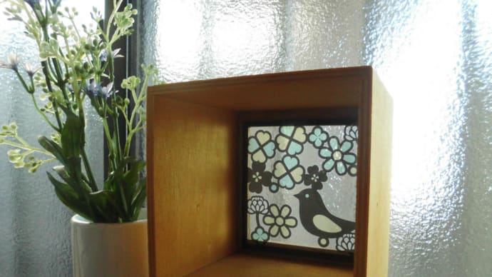 Seriaのステンドグラス風インテリアボックス作りました。