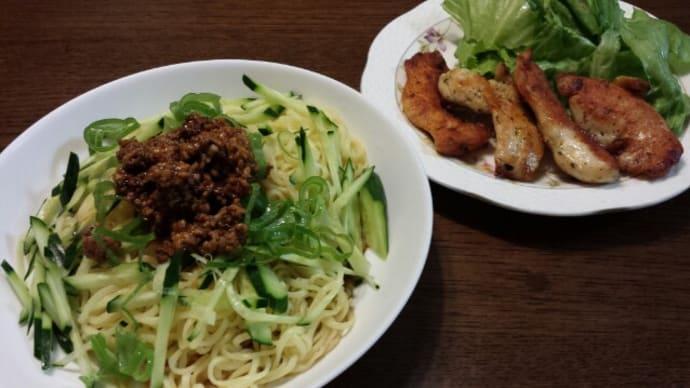 7/24今日の夕飯/(汁なし担々麺&鶏むね肉のガーリックチーズソテー)