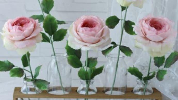 クレイで作ったルドゥーテの薔薇・ピンク色です。