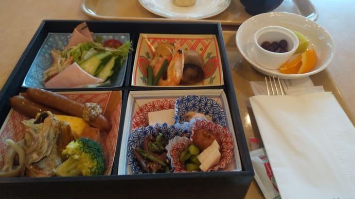 ロイヤルホテル長野1階のレストランで朝食