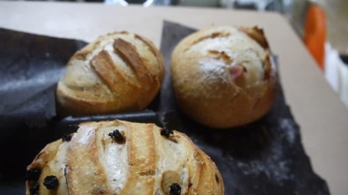 今日もまたパン焼きは続く・・・