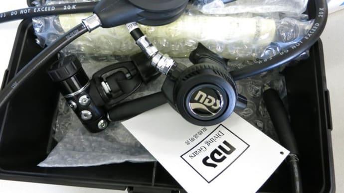 NDSポレスター1-Sレギュレータにオクトパスとシングル残圧計をセッティング