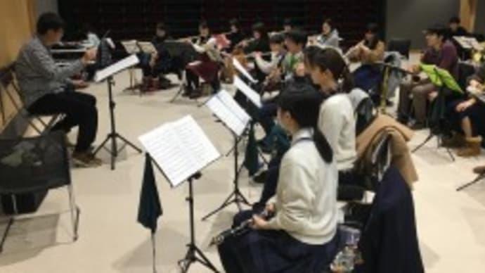 細谷先生をお迎えして定期演奏会第1部の練習 (いーぱる)