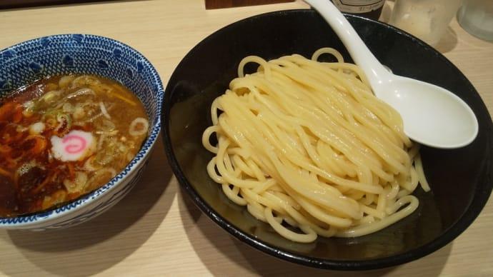 駅ナカで食べる辛つけ麺と昼飲み