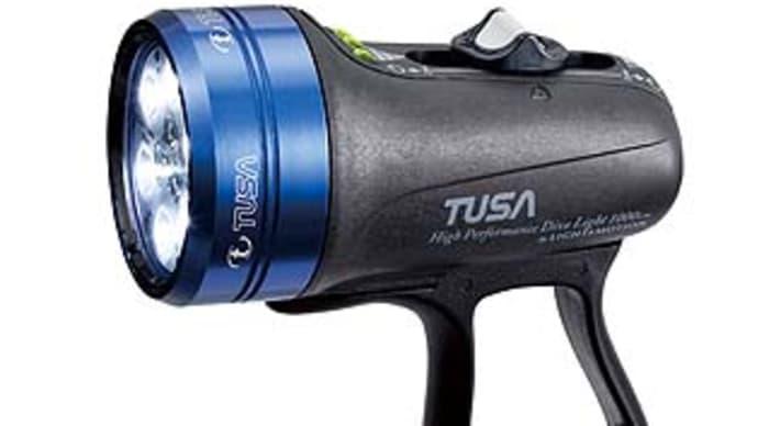 超コンパクトで超明るい!TUSAのニューLED水中ライト・TUL-1000J
