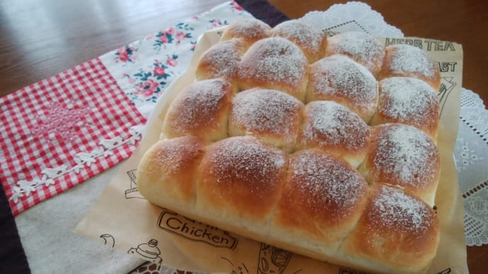 こねないちぎりパンと、300円shop Cou Couで買ったもの。