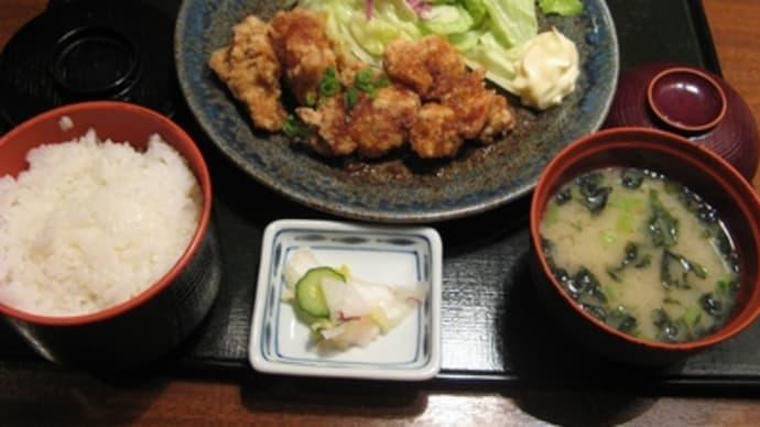 1月2日の昼食(新宿西口のやるき茶屋の唐揚定食)