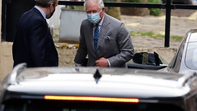 チャールズ皇太子、入院中のエジンバラ公を見舞う