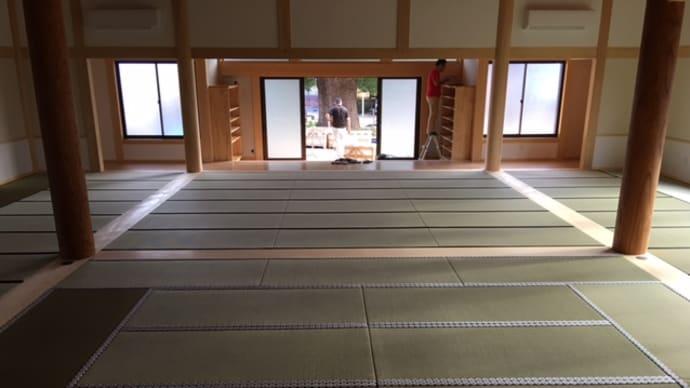 新本堂に 畳が敷かれました