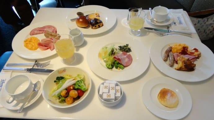 ミラコスタとランドホテルの朝食