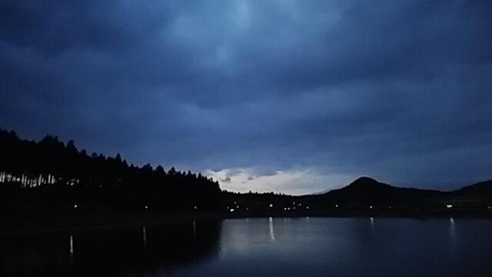 季語・春の暮 蕪村/春の暮家路に遠き人斗(ばかり)