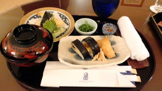 ザ・リッツ・カールトン大阪*ルームサービスでお夜食♪