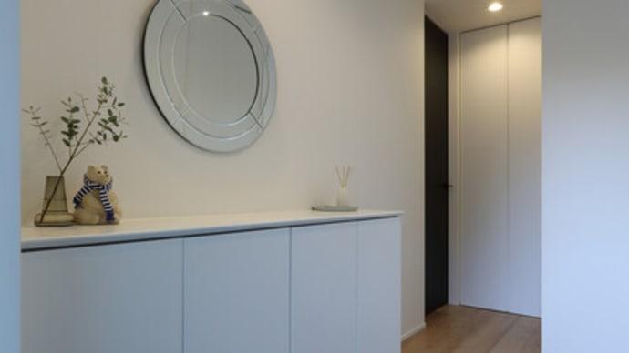 間取りとプランと設計に大切な暮らしのイメージと質感をデザインするように・・・・部屋のレイアウトだけではなくて暮らし方のと空間の印象を連動させる扉(ドア)の選択。