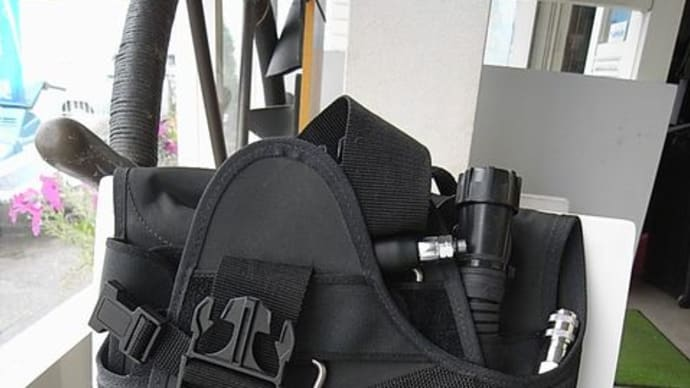 NDSのFタイプBCジャケットは薄型スリム