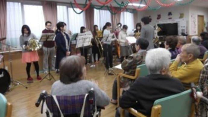 ツクイ茨島&土崎デイサービスセンター訪問演奏写真