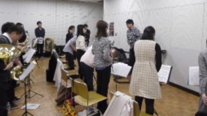 細谷先生をお迎えして定期演奏会強化練習写真 (文化会館)