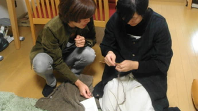 編み物教室開催中