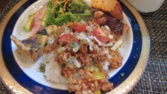 「Juippu(ジュイップ)」、10月21日のプレートランチは、鶏挽肉とパプリカのタコライス