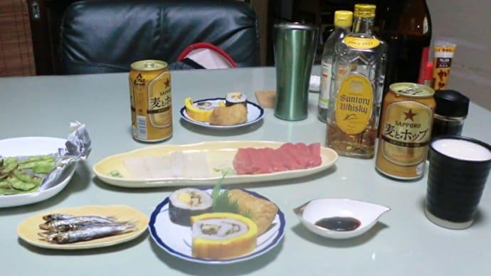 今日の晩ごはんはまぐろとイカの刺身で一杯📷街角ぶらり旅01-05